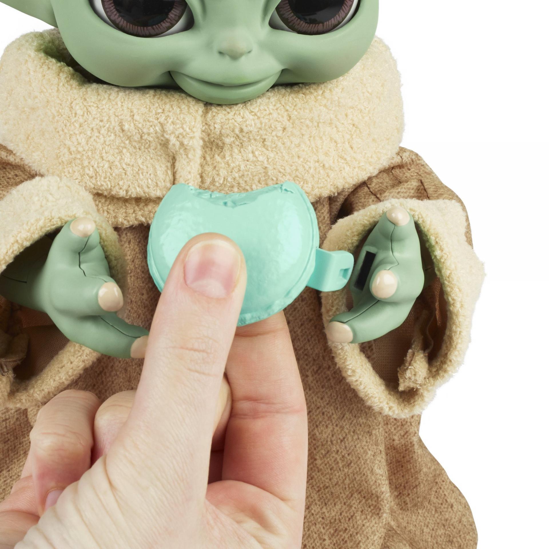 Star wars hasbro galactic snackin grogu4