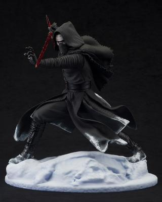 Star Wars Episode VII Kylo Ren 1/7 ARTFX Statue 29cm avec LED